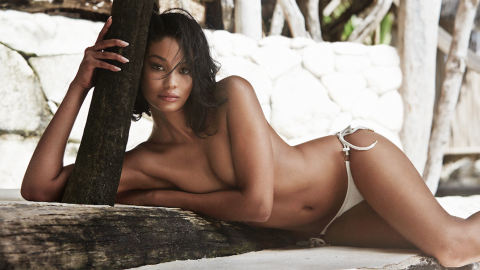 VVC Girls: Chanel Iman (Sports Illustrated Blooper video & Pics)